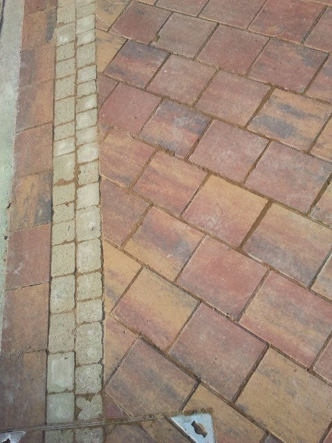 boarder paving