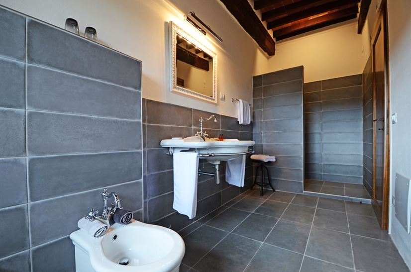 bath room 15.png
