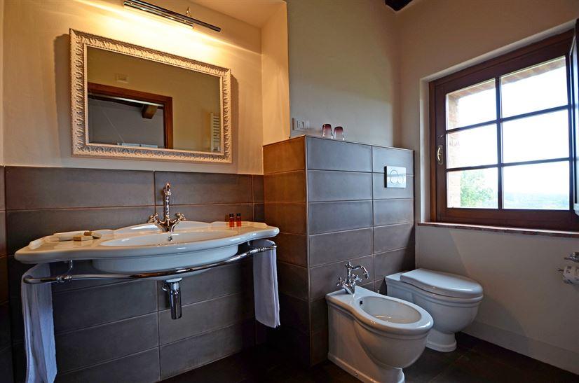 bath room 14.png