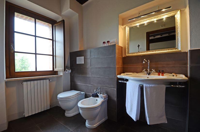 bath room 11.png
