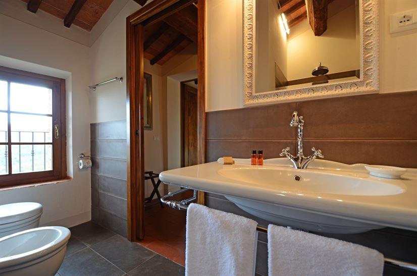 bathroom 26.jpg