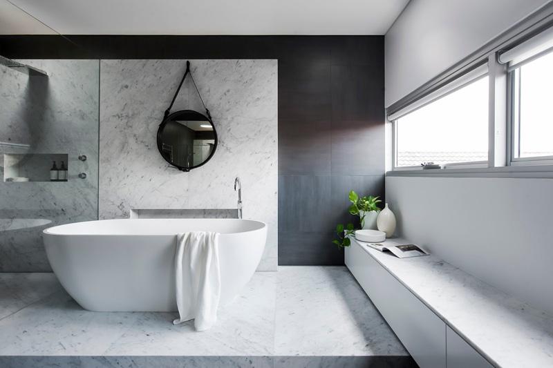 monochrome-bathroom_021215_05.jpg
