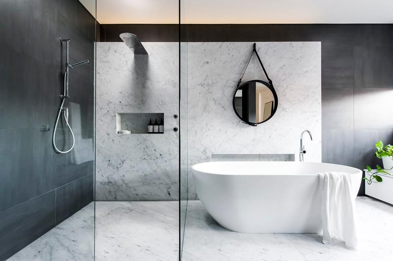 monochrome-bathroom_021215_01.jpg