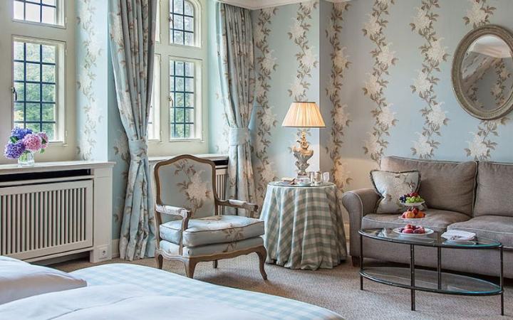 schlosshotel-kronberg-hotel-germany-bedroom-large.jpg