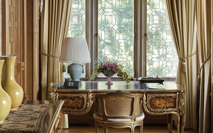 schlosshotel-kronberg-hotel-germany-royal-suite-large.jpg