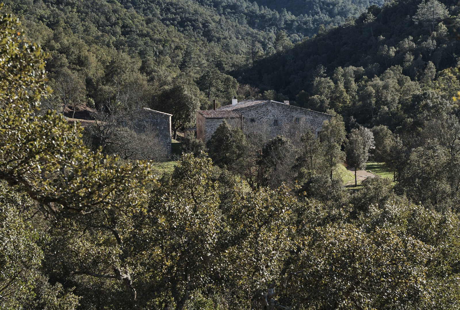 the-restored-17th-century-farmhouse-in-the-baix-emporda-region-of-spain.jpg