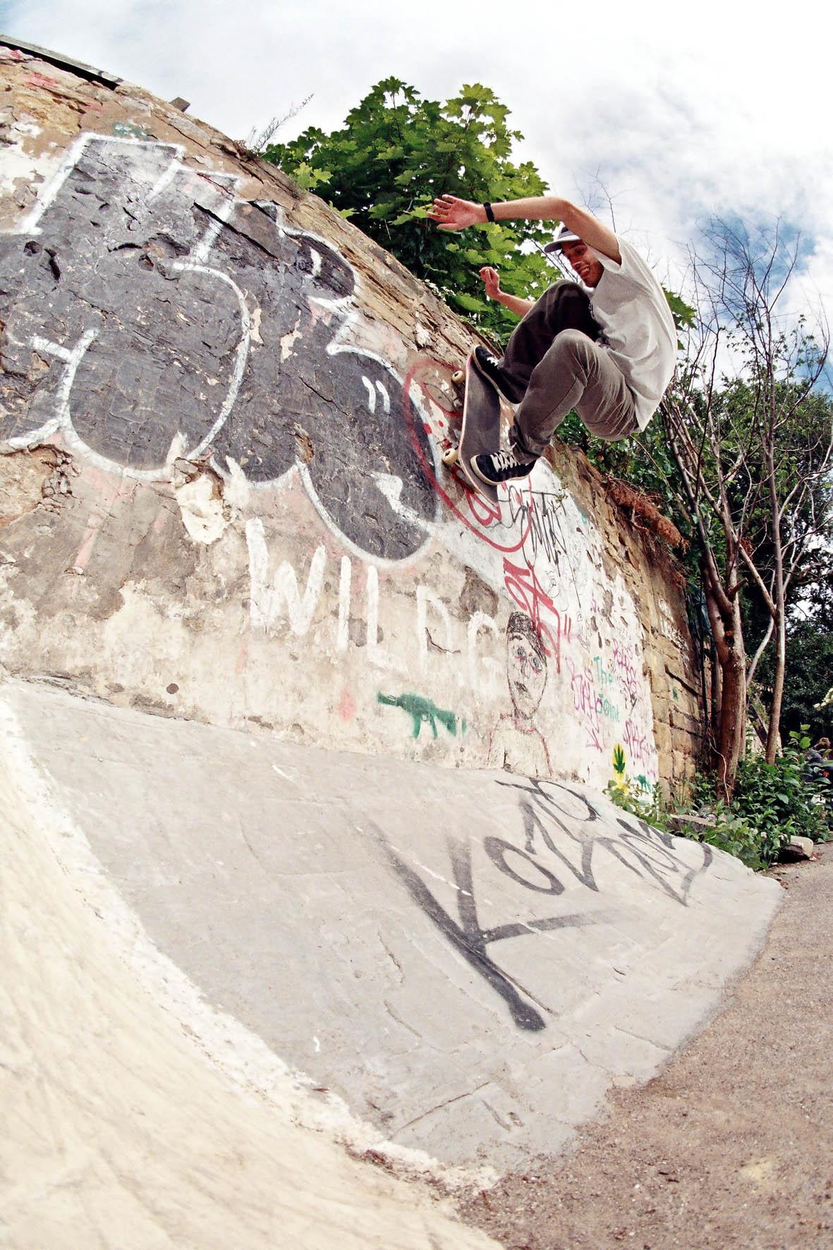 Ali Watson - wallride fakie