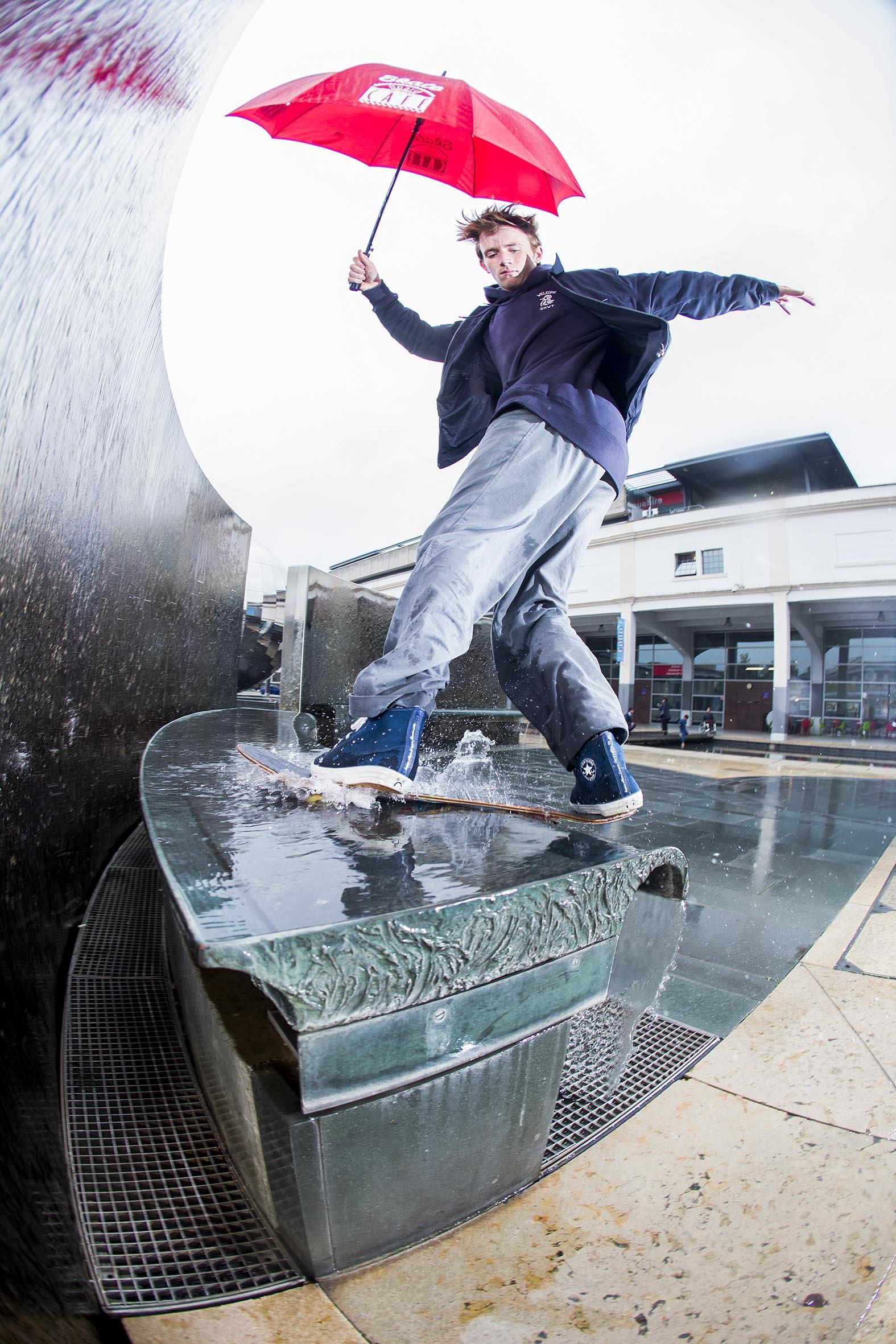 Mike Arnold - frontside boardslide