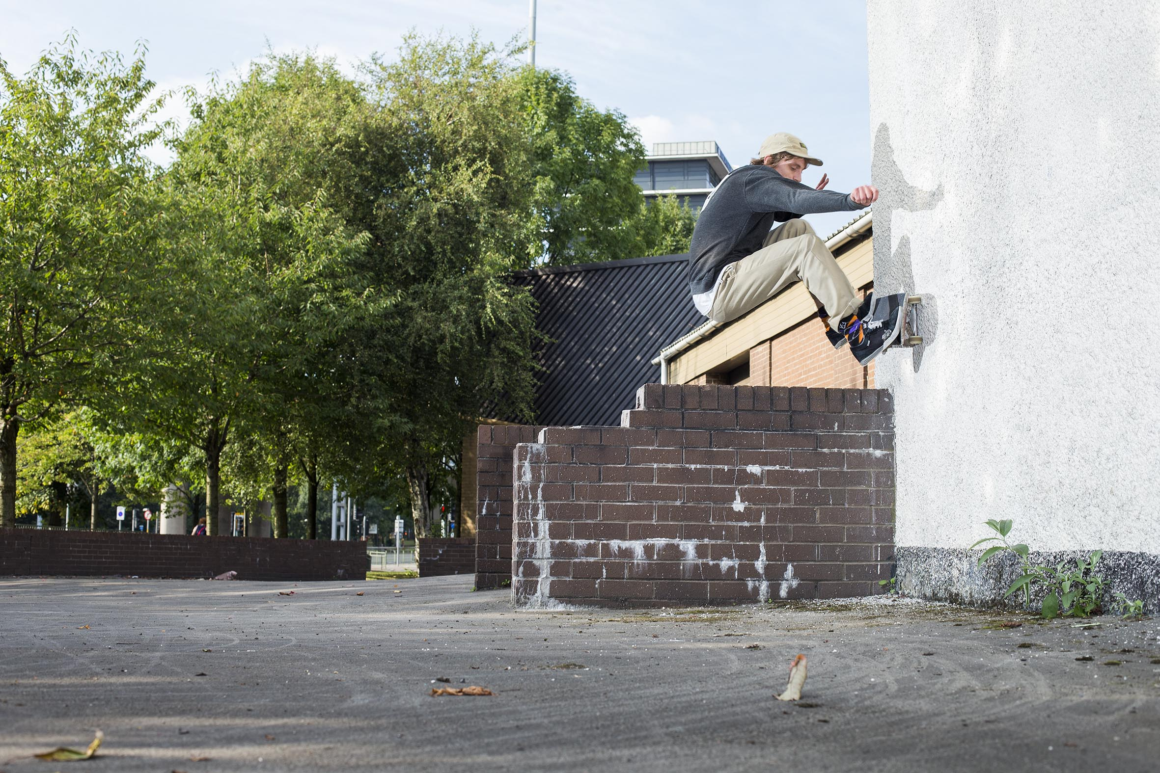 Lewis Threadgold - ollie over to wallride