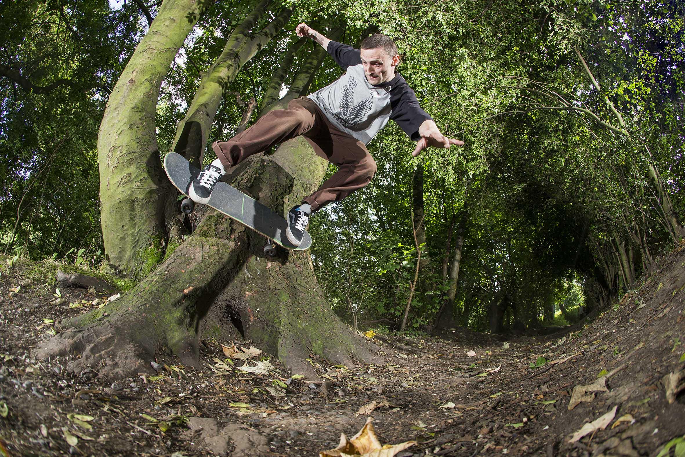 Lee Rozee - tree wallride