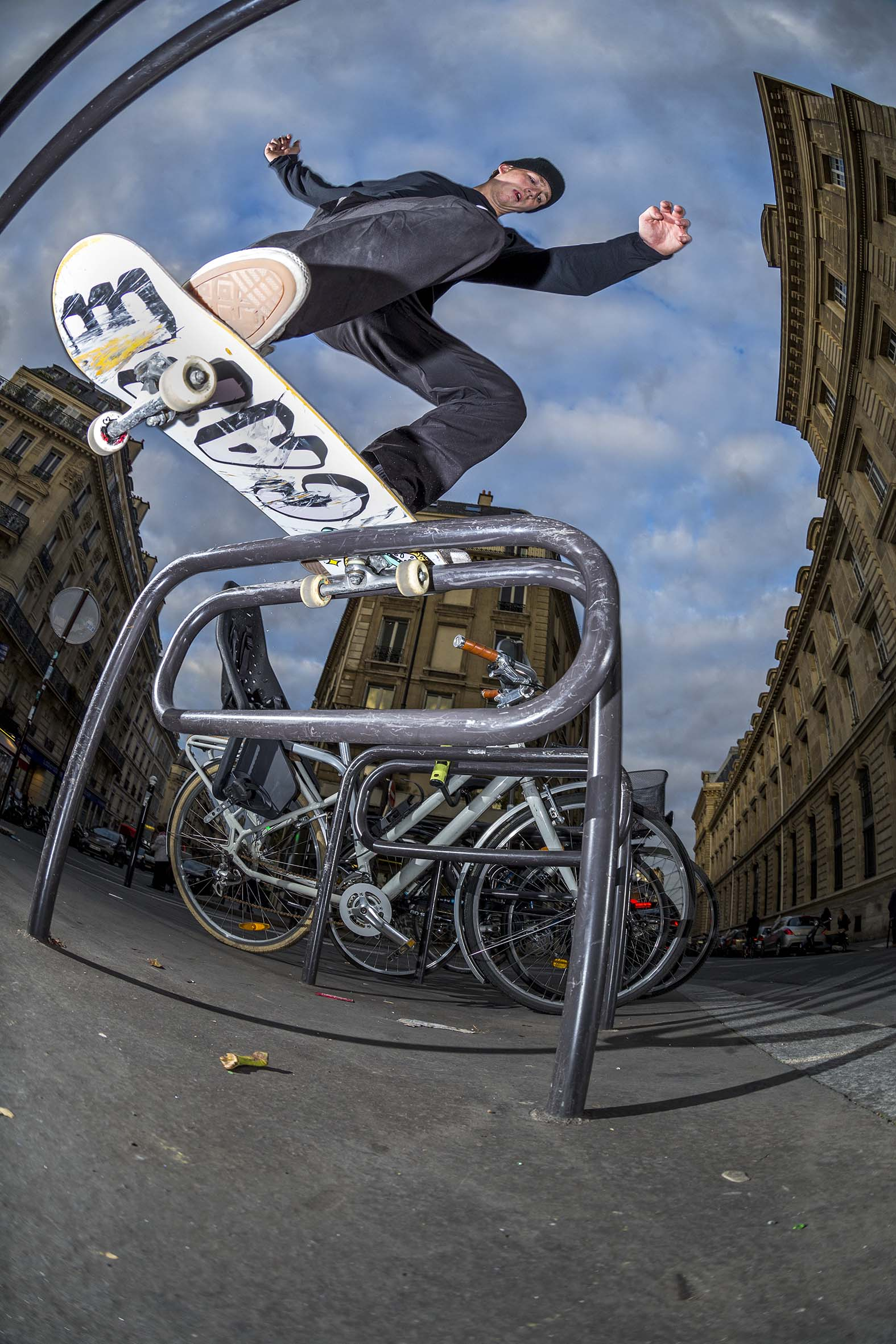 Mike Arnold - inside noseslide