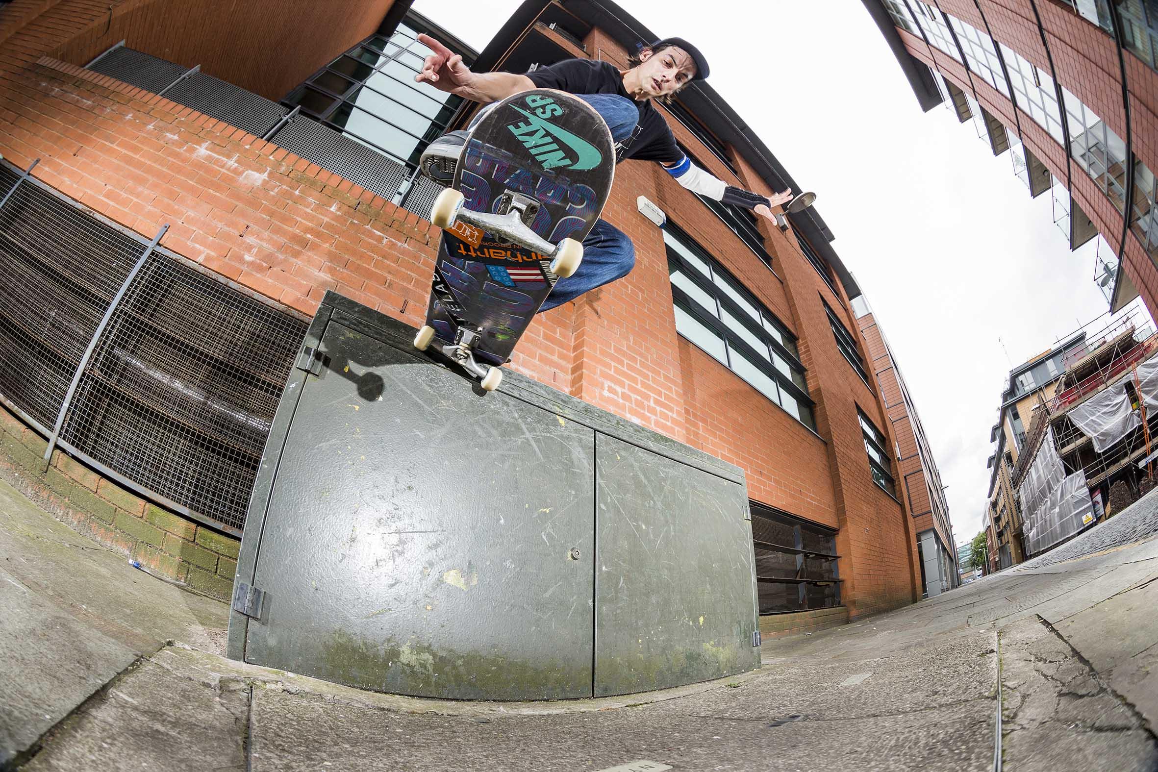 Joe Gavin - switch backside tailslide