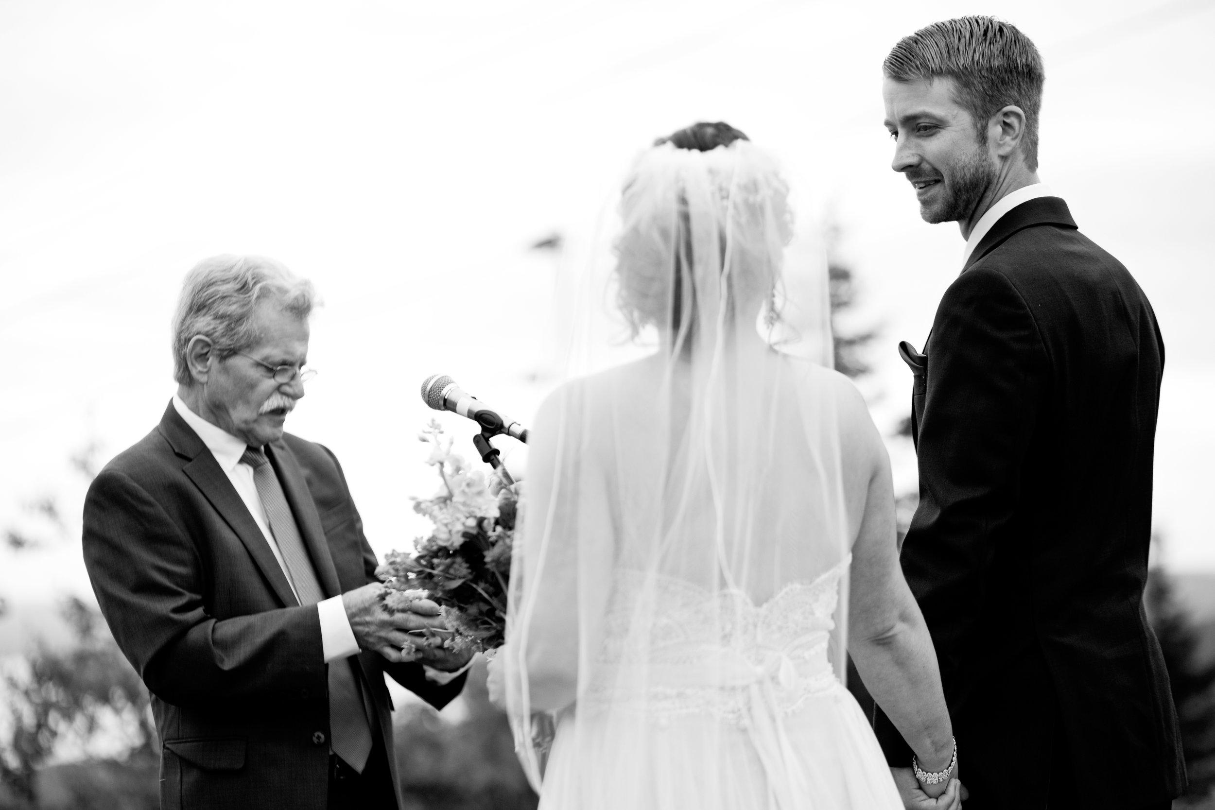 gunstock-mountain-resort-wedding-photos-09.JPG