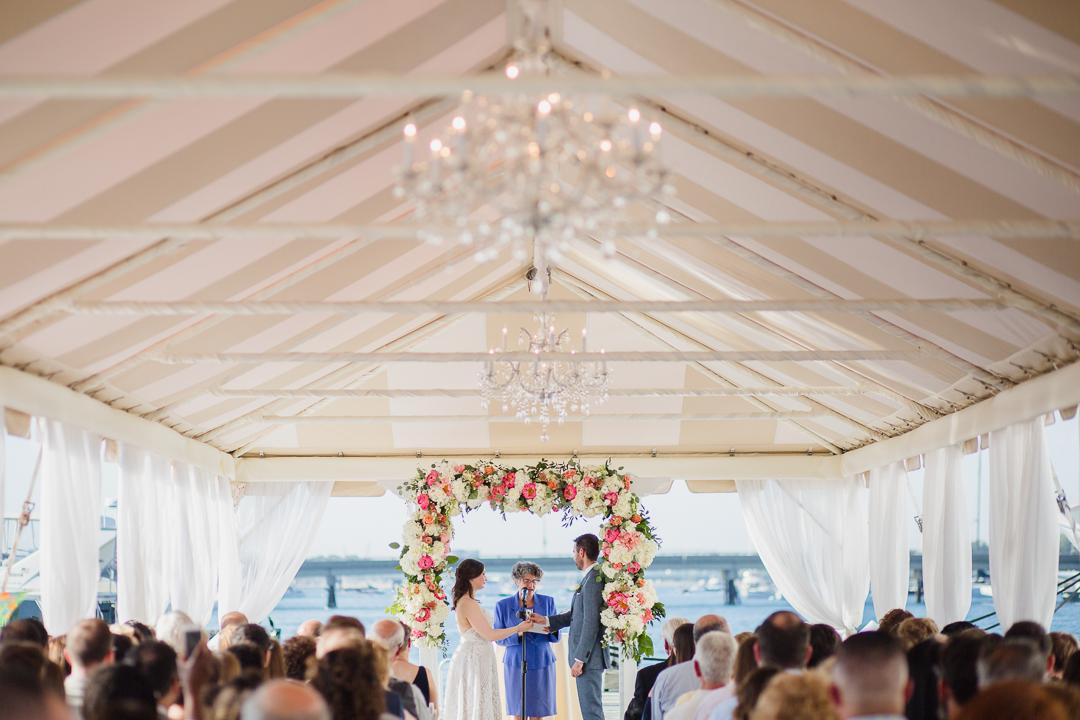 regatta-place-newport-ri-wedding--00013.jpg