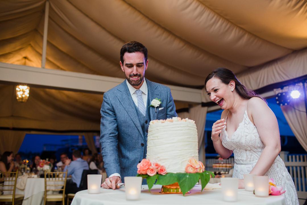 regatta-place-newport-ri-wedding--00022.jpg