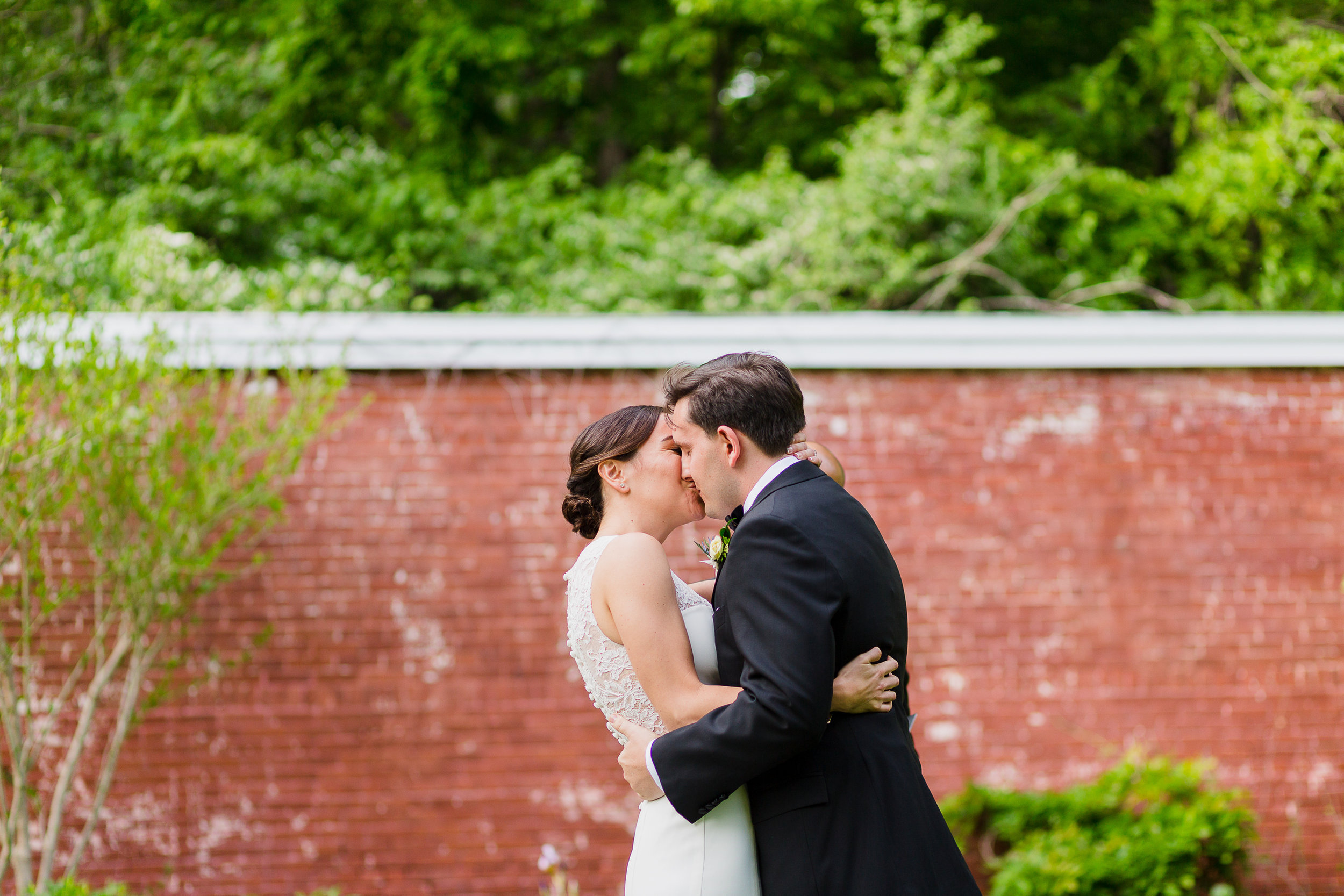 lyman-estate-wedding-photos-00020.jpg
