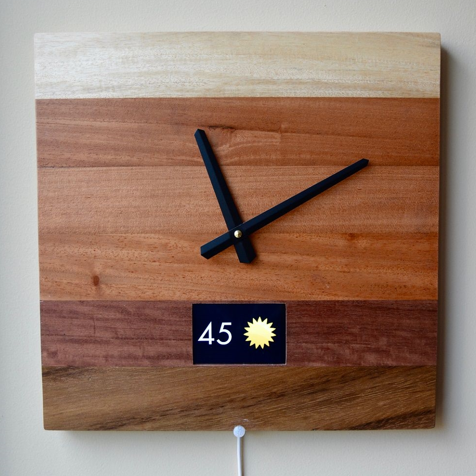 Ombre Smart Clock With Screen