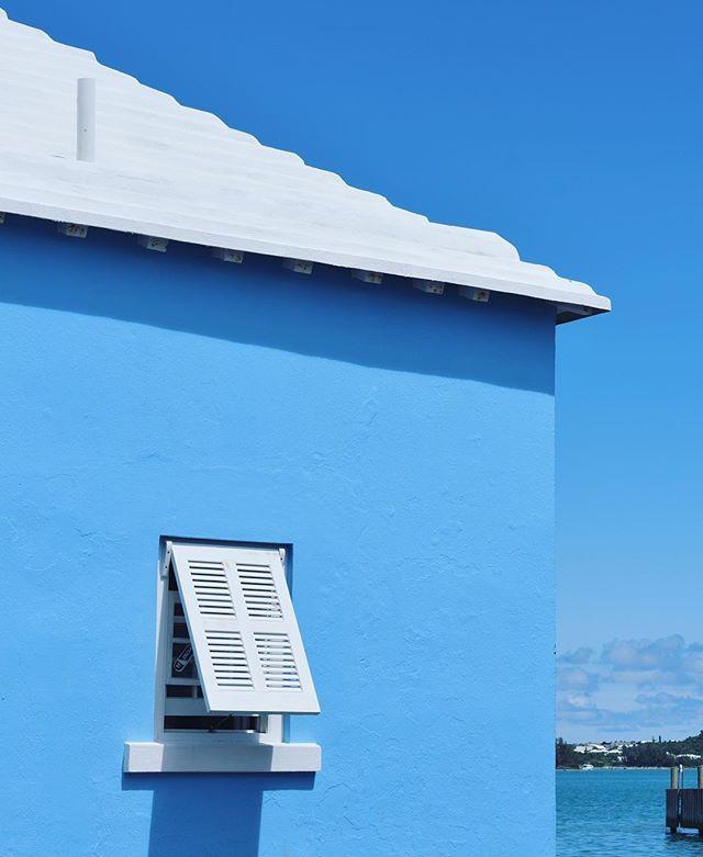 Bermuda blues💧wishing I was still in this perfect place #travelgram #spoonie #bluesky #bermuda #colorpop