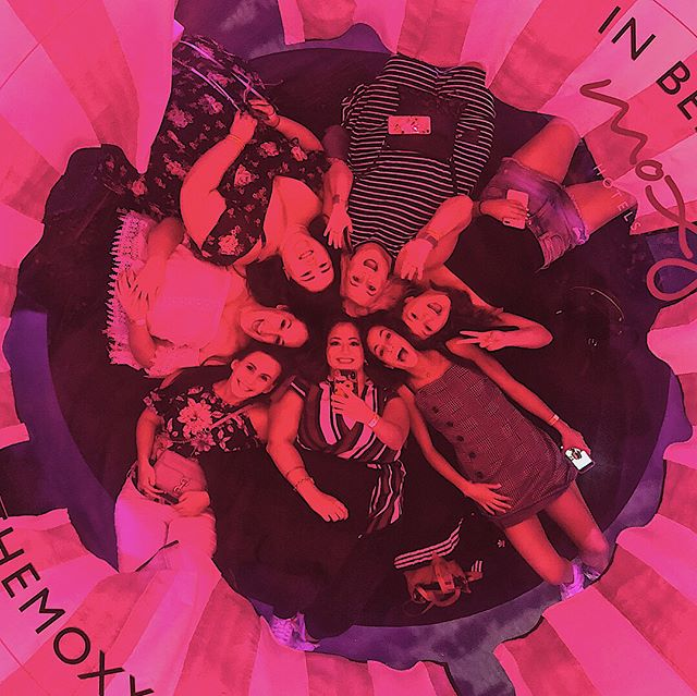 a strong squad of fierce females is more than a girl could ever wish for 👯‍♀️✨ @29rooms #girlsquad #spoonie #bestfriends #feminism