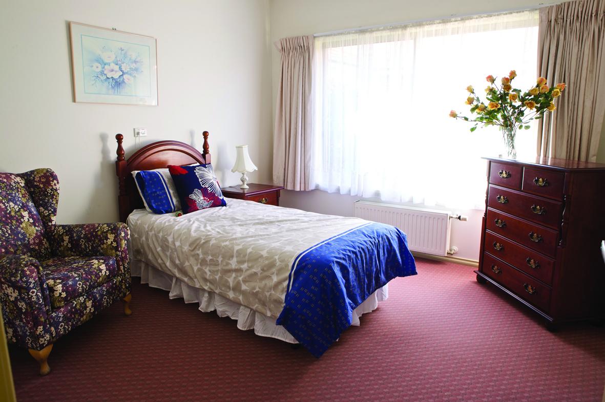 WEB east bedroom2.jpg