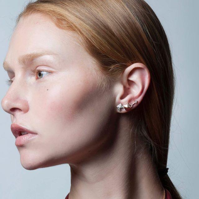 A whole lot of love for this ear ❤️ @emersonryder_jewelry #whitegold #rosegold #14kgold #love #diamonds #arrow #diamondarrow #jewelry #jewelleryaddict #monday #insta #instagram #instagood #losangeles #beverlyhills #emersonryderjewelry //www.emersonryder.com