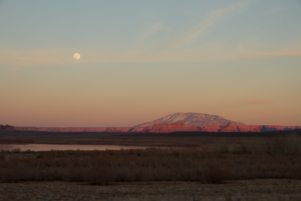 Arizona moon rise_-2.jpg