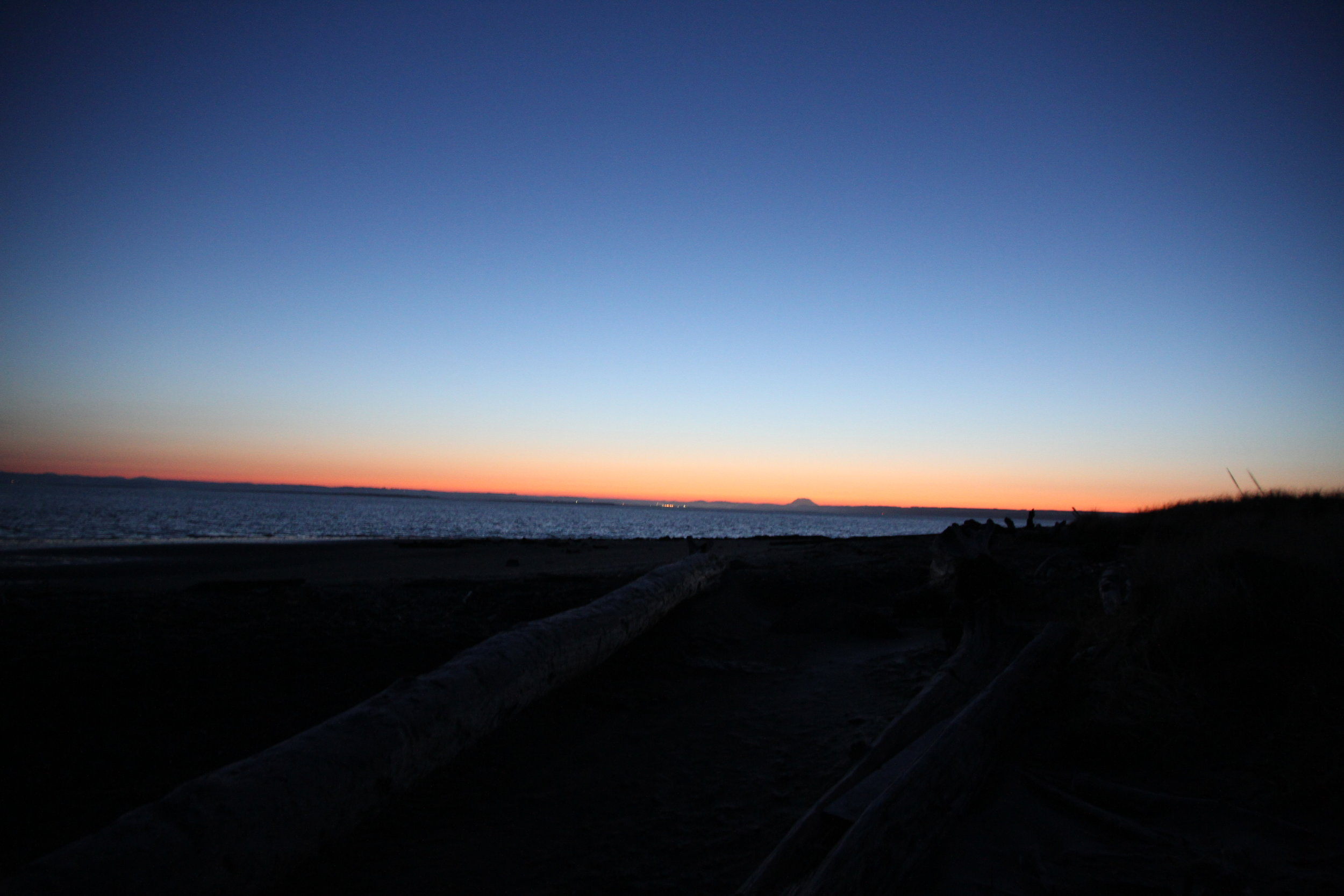 First light on Gray's harbor, looking east. Tanya Pluth photo.