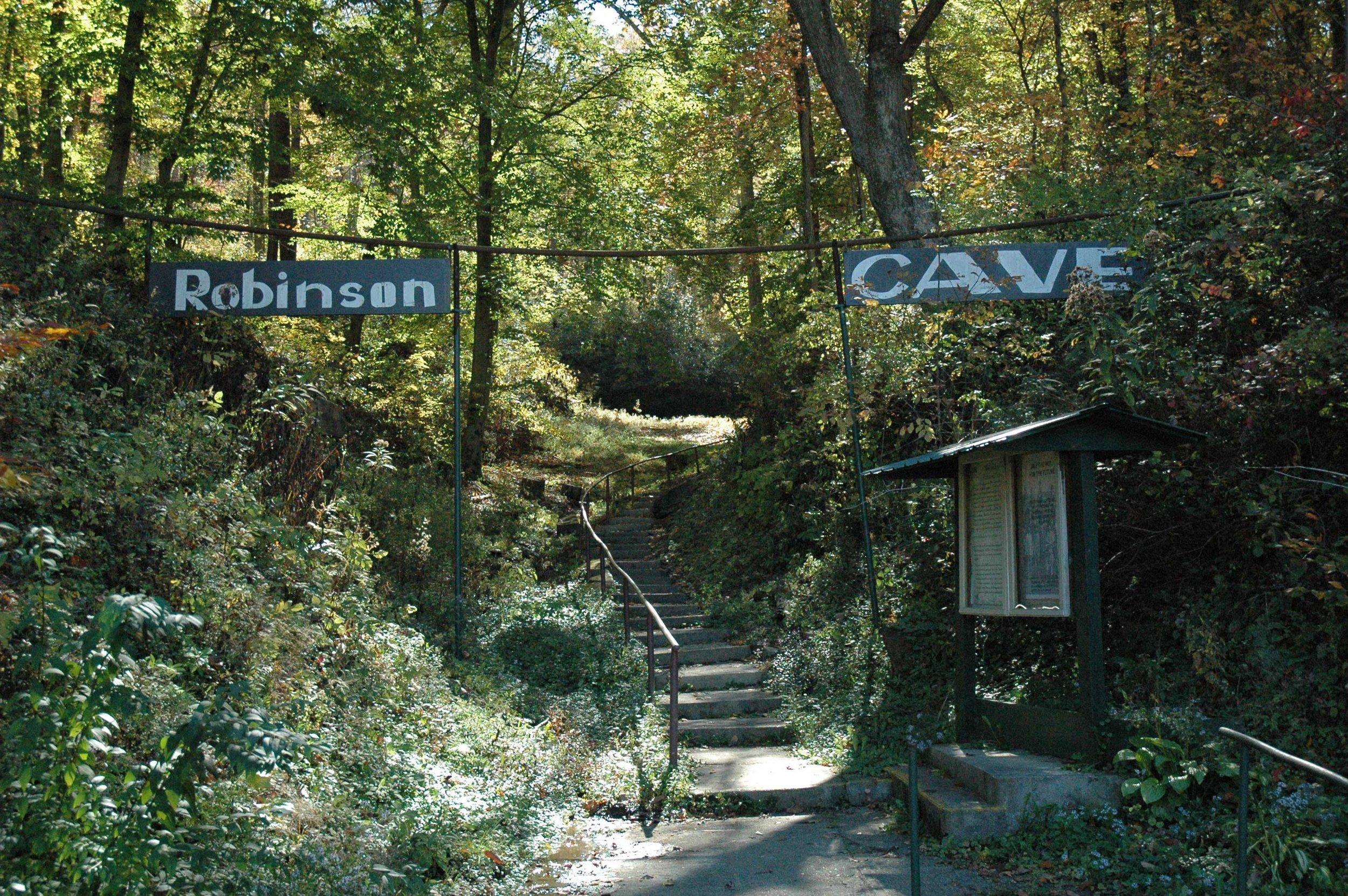Robinson's Cave 01.jpg