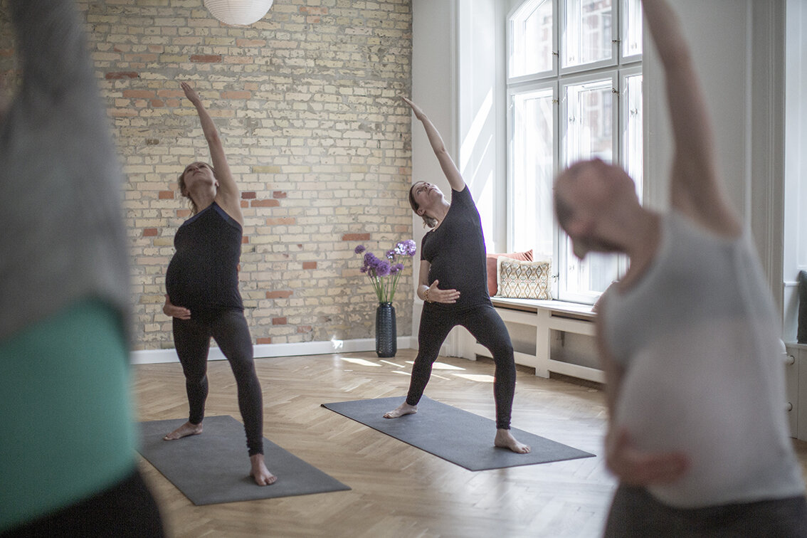 Gravid yoga hélt graviditet