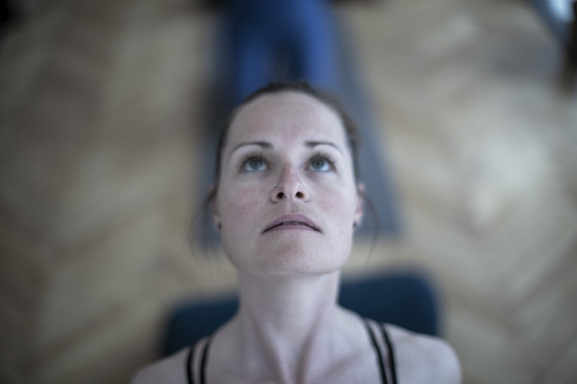 4R4C4920 yogaface.jpg