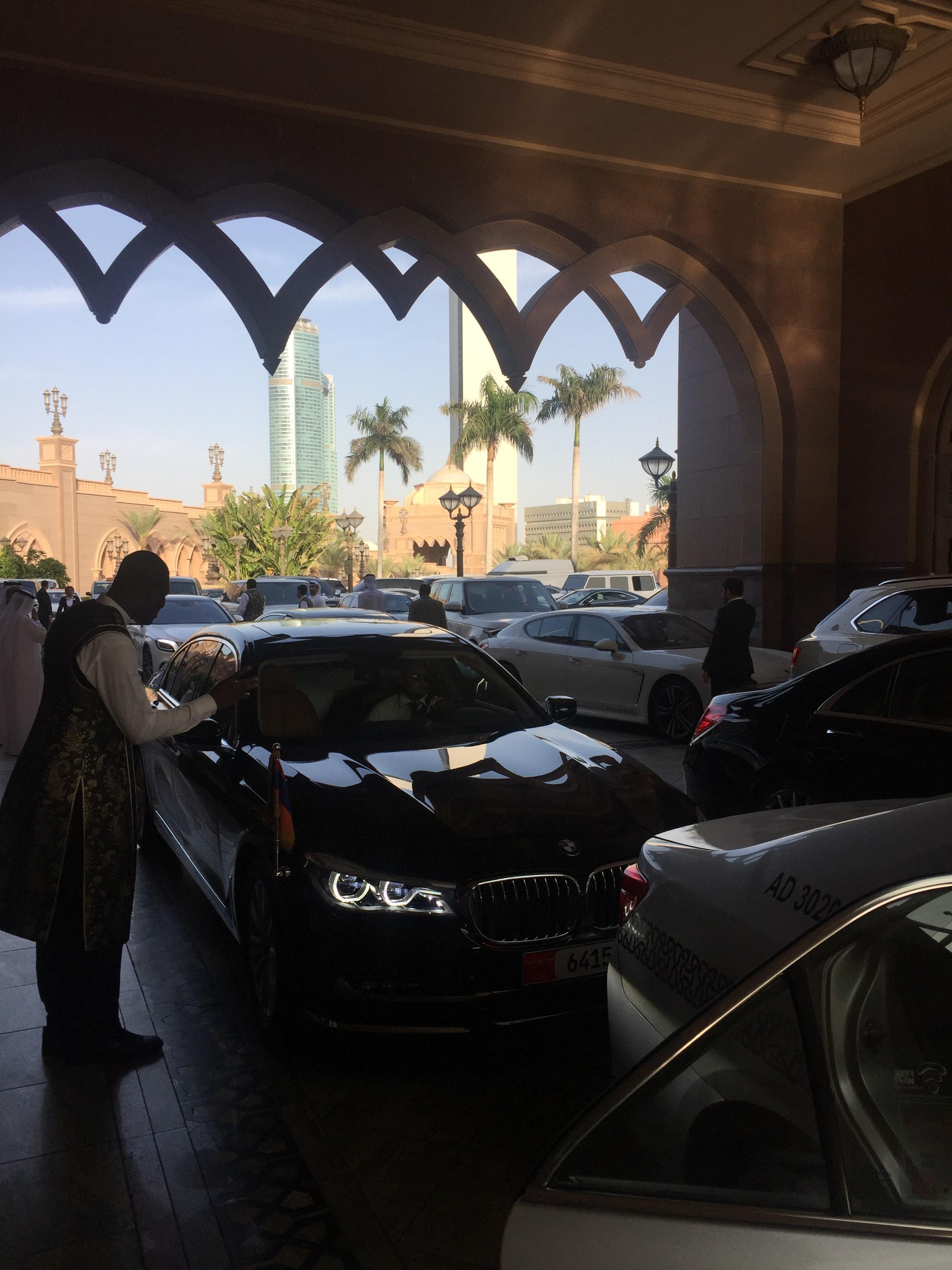 Abu_Dhabi_iiiiiiiiii.jpg