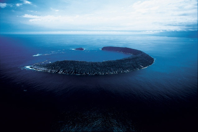Yann Arthus-Bertrand , Tortuga Island, Galapagos Archipelago, Ecuador