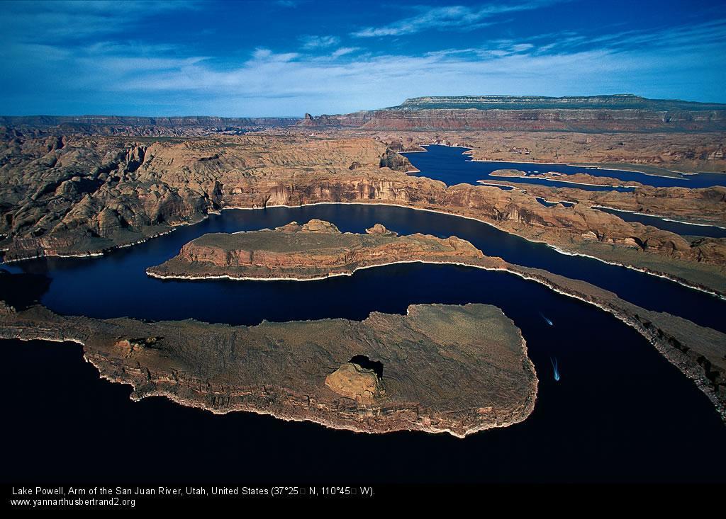 Photo:Yann Arthus Bertrand, Utah Canyon