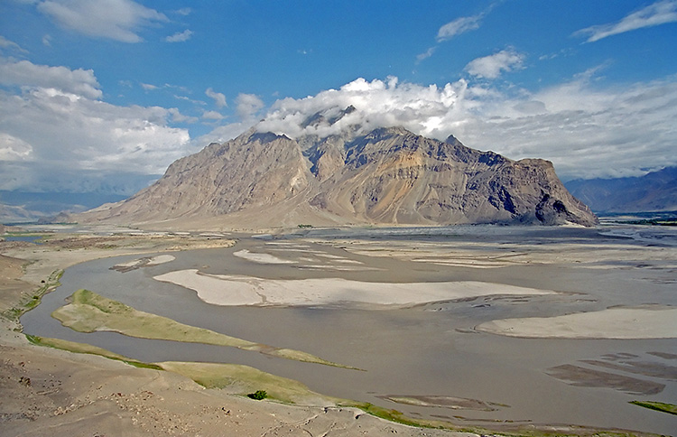 River Indus near Skardu (Pakistan) By Kogo - photo taken by Kogo, GFDL,    https://commons.wikimedia.org/w/index.php?curid=421282