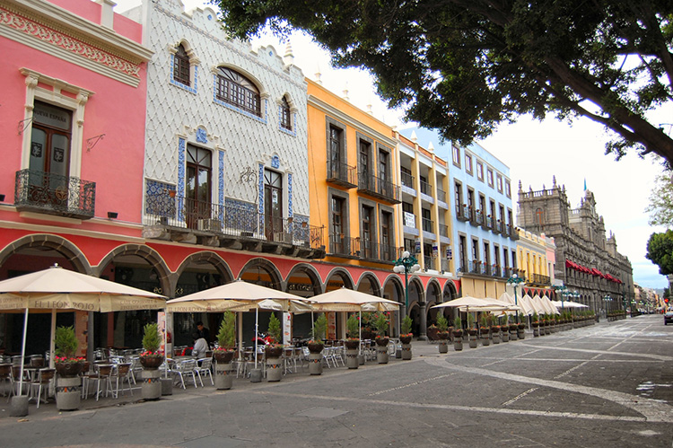 Puebla, Mexico.  Photo (unedited) by Russ Bowling; available at:   https://www.flickr.com/photos/robphoto/2606385574