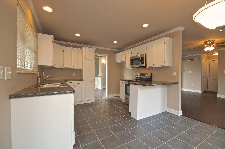 2707 Bakertown Rd Knoxville TN-large-020-Kitchen-1500x994-72dpi.jpg
