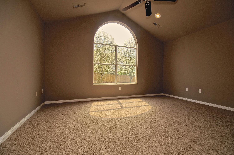 2707 Bakertown Rd Knoxville TN-large-028-Master Bedroom-1500x994-72dpi.jpg