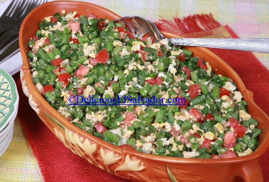 Ejotes con huevo (Green beans and eggs)
