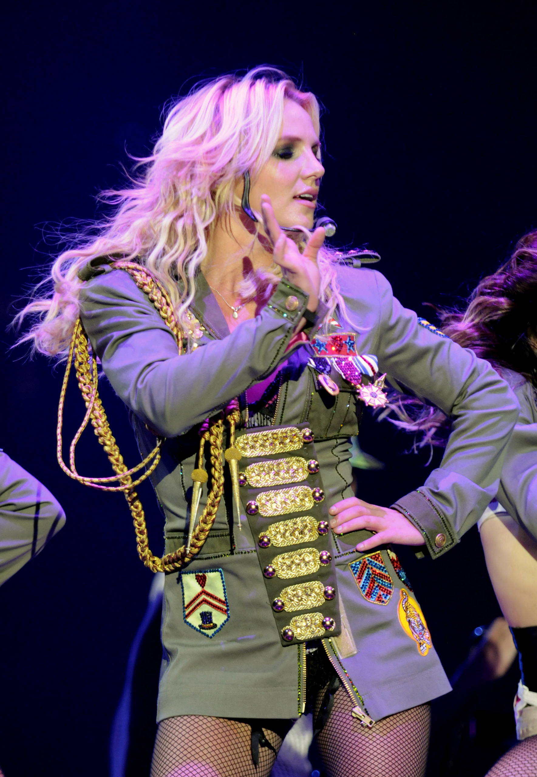 The-Circus-Tour-britney-spears-4667685-1769-2560.jpg