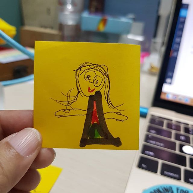 I had Haunting of Hill House playing on my tablet while I was working (rewatching coz of the hidden ghosts and I was just too sleepy). G suddenly comes up to me and good thing I paused it immediately coz it was in one of the scariest parts of the episode.  She got some sticky notes from me then a few minutes later she hands me this drawing.  Peeps who already watched the series, I was watching episode 5.  #didsheseeit #creepierifshedidnt #hauntingofhillhouse