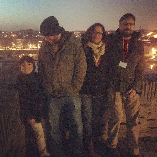 #desagraviofilme Aquí con el hijo de Nicolás y Argelia Guevara, amigos de la fila del cine 400 Golpes.