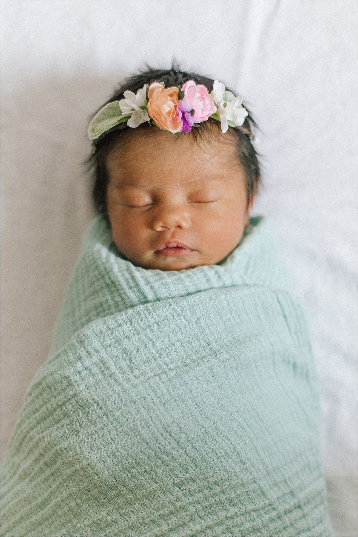 Newborn Flower Photoshoot_0034.jpg