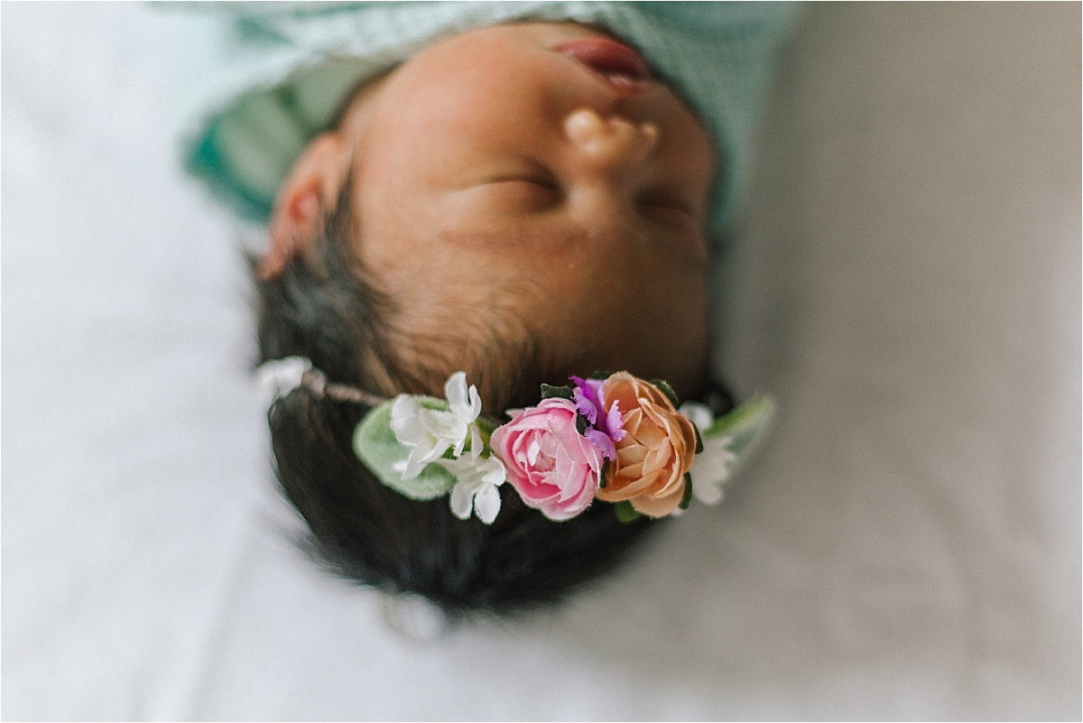 Newborn Flower Photoshoot_0038.jpg