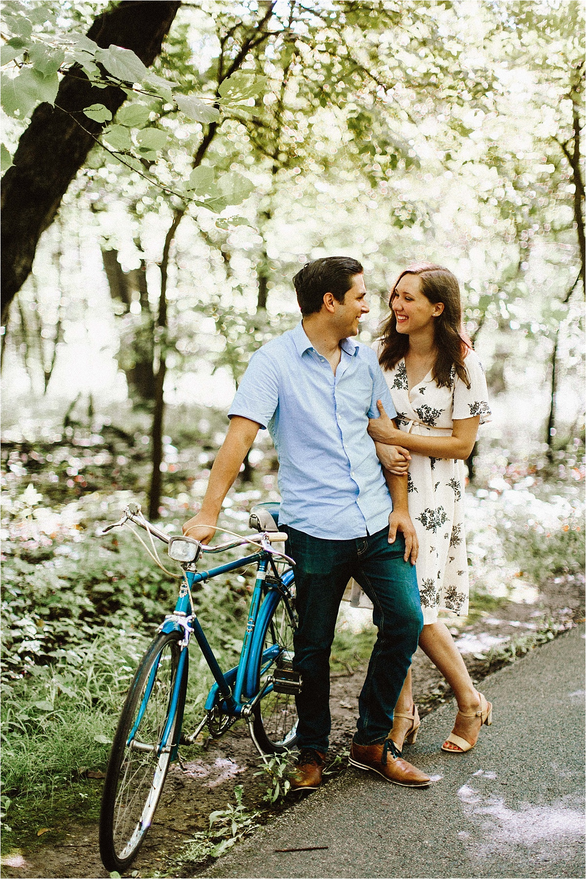 Vintage Bicycle Engagement Shoot_0007.jpg