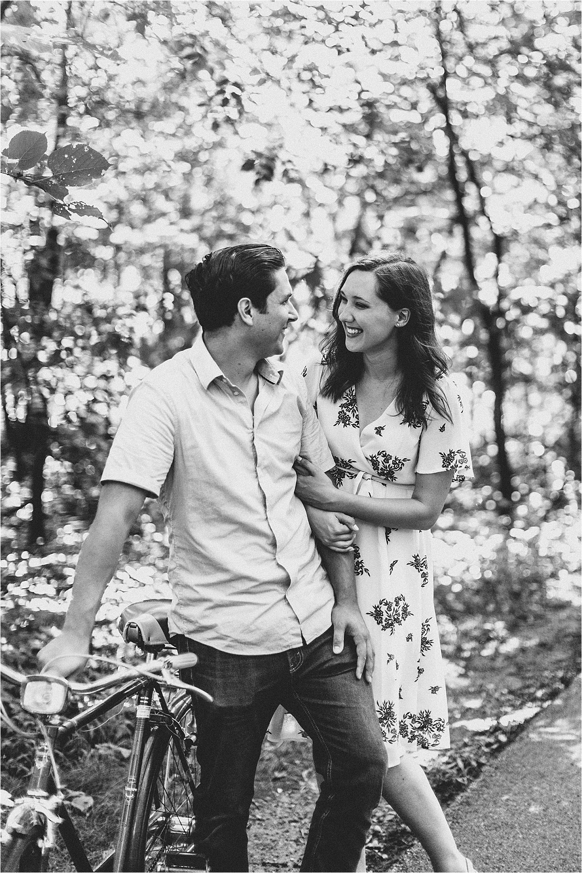 Vintage Bicycle Engagement Shoot_0008.jpg