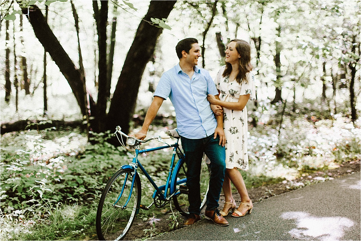 Vintage Bicycle Engagement Shoot_0009.jpg