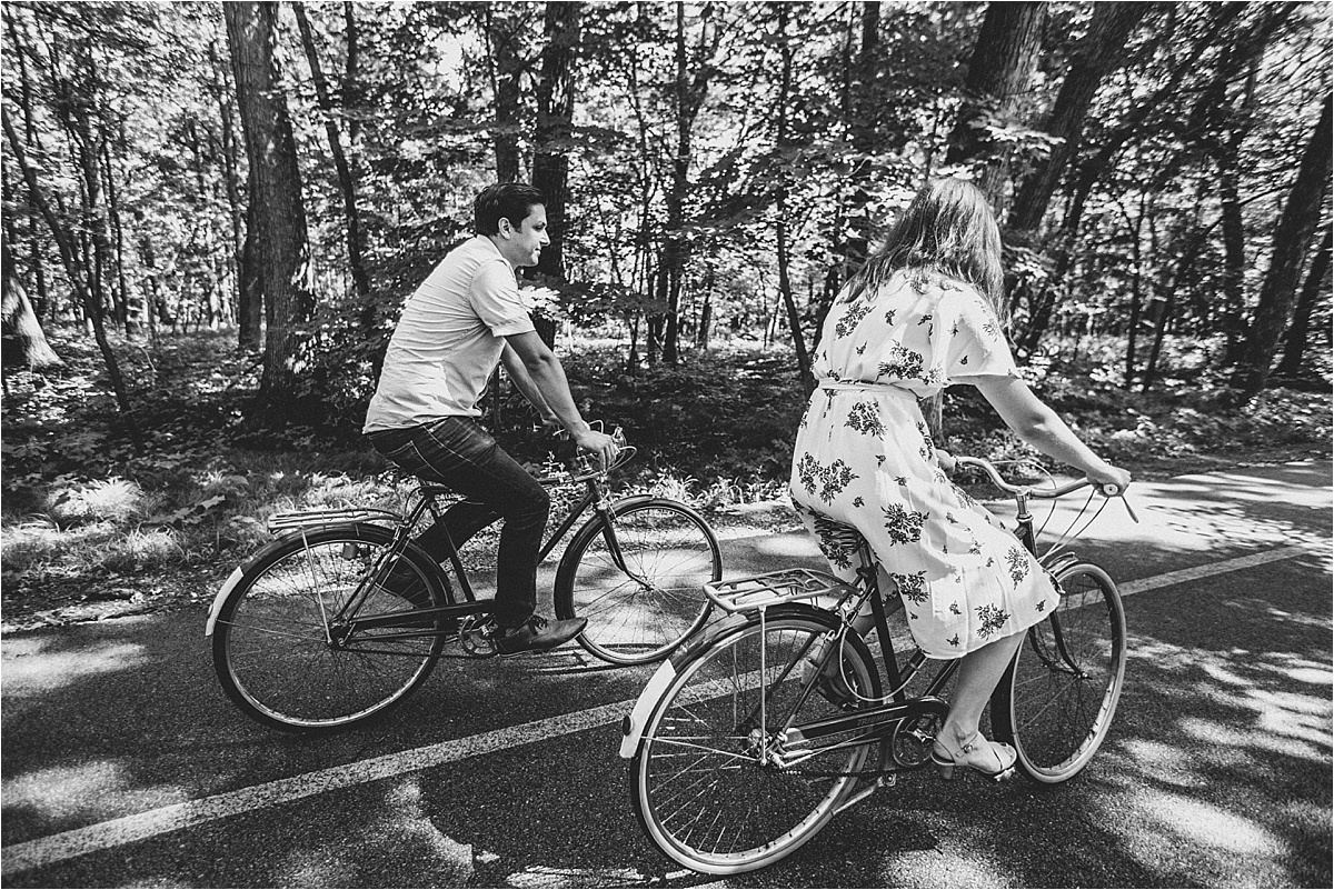 Vintage Bicycle Engagement Shoot_0043.jpg