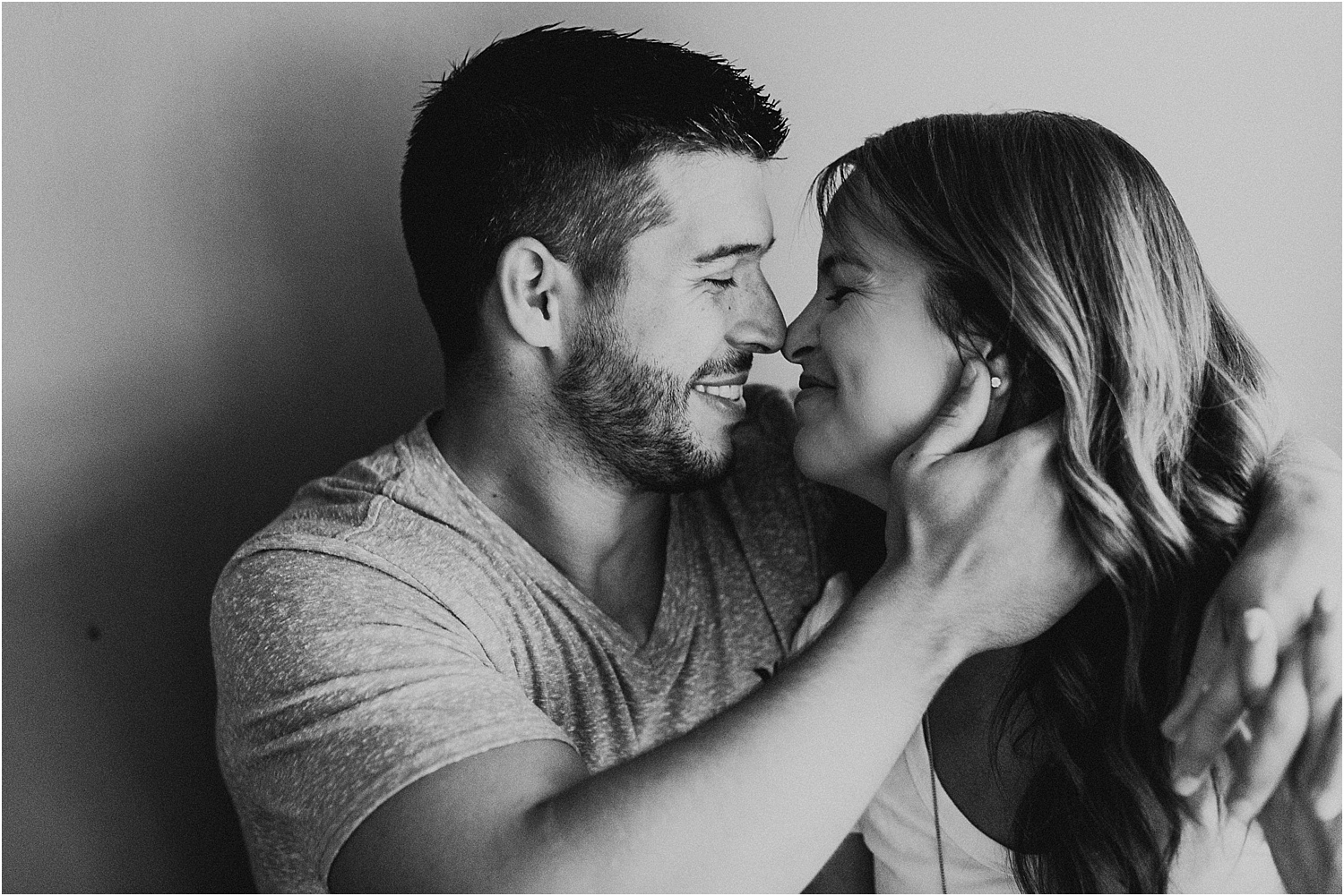 Intimate Home Engagement Session_0004.jpg