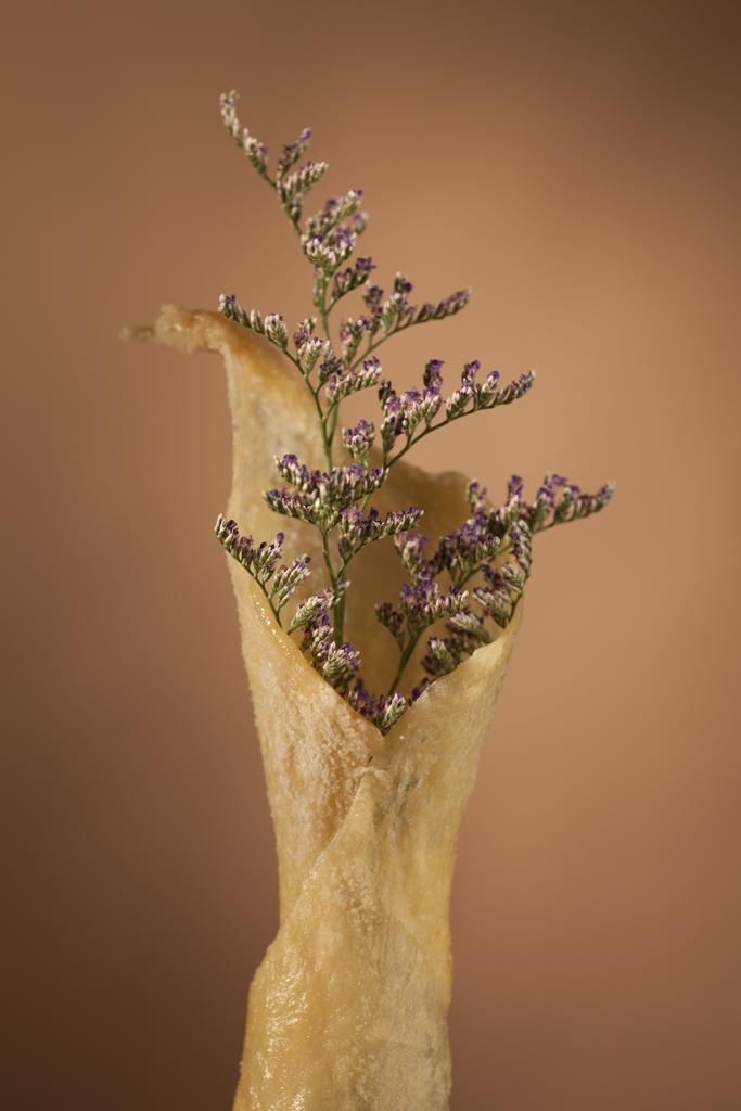 vase_purpleflowers.jpg