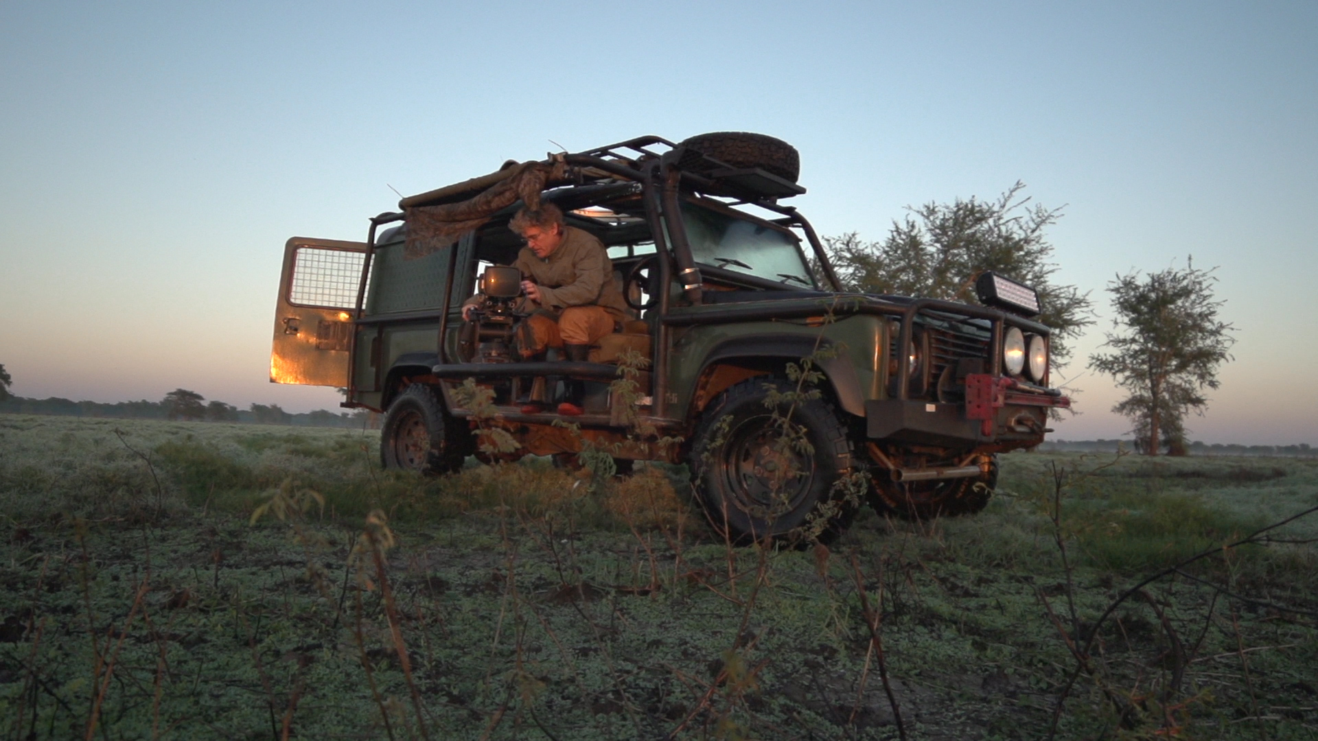 morning shooting land rover.jpg